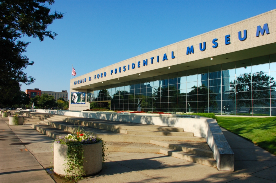 Gerald r ford presidential library museum for Fox motors grand rapids ford